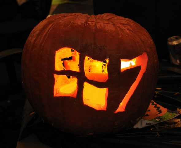 Windows 7 Halloween pumpkin