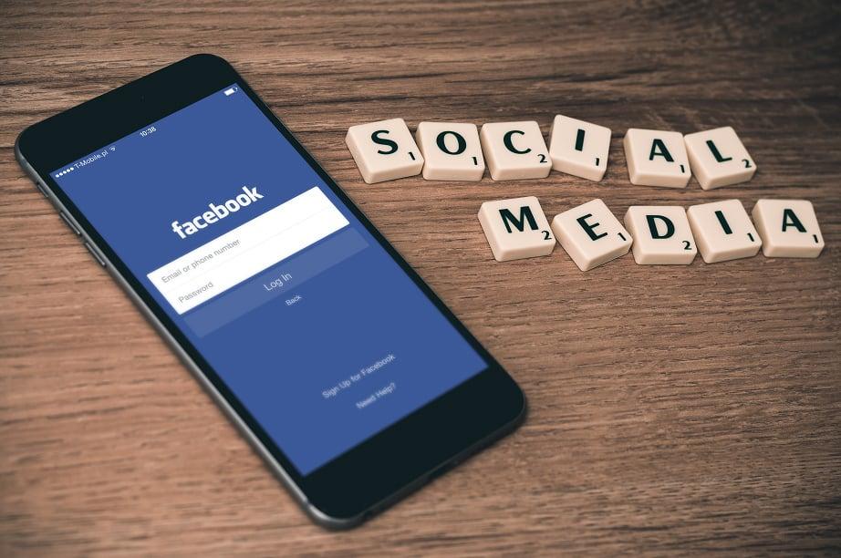 SEO link building - social media