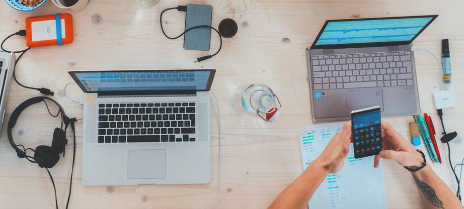 financial web design features
